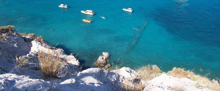 Tourist excursions to Lipari by helicopter and by boat